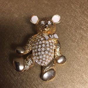 Jewelry - Beautiful Rhinestone eyes Bear Pin